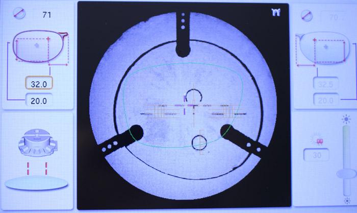 Detalle del Frontofocómetro de Essilor