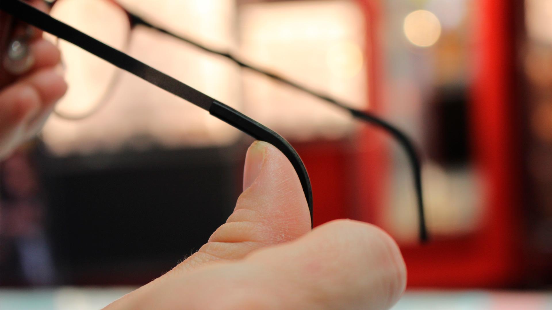 ajustar una gafa es todo un arte