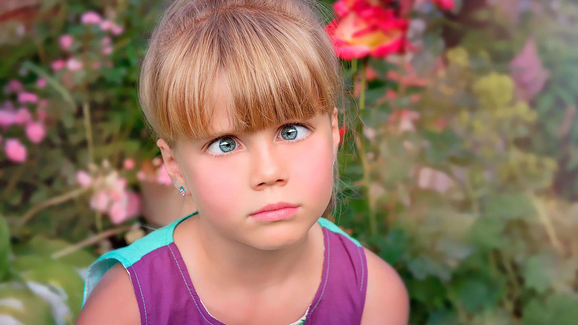 Nena amb Estrabismes